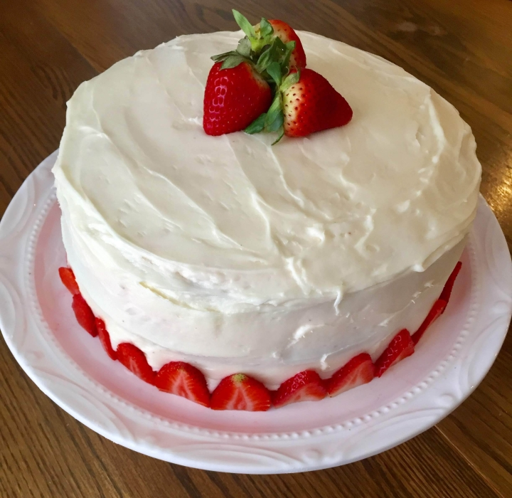 Delicious Strawberry Cake Recipe